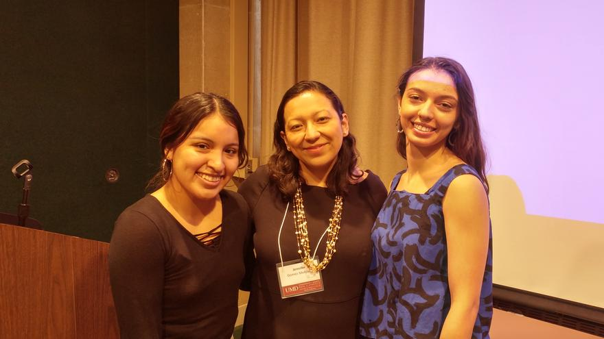 Jennifer Gómez Menjívar with students at Summit